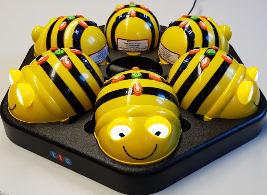3 BeeBot Ladestation